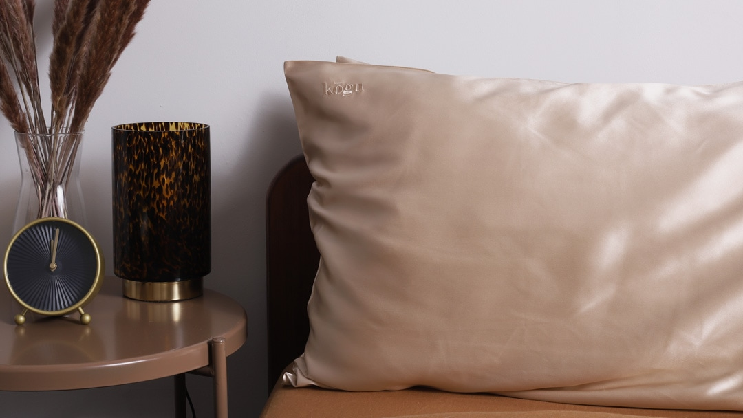 3 reasons why you should buy a silk pillowcase right now