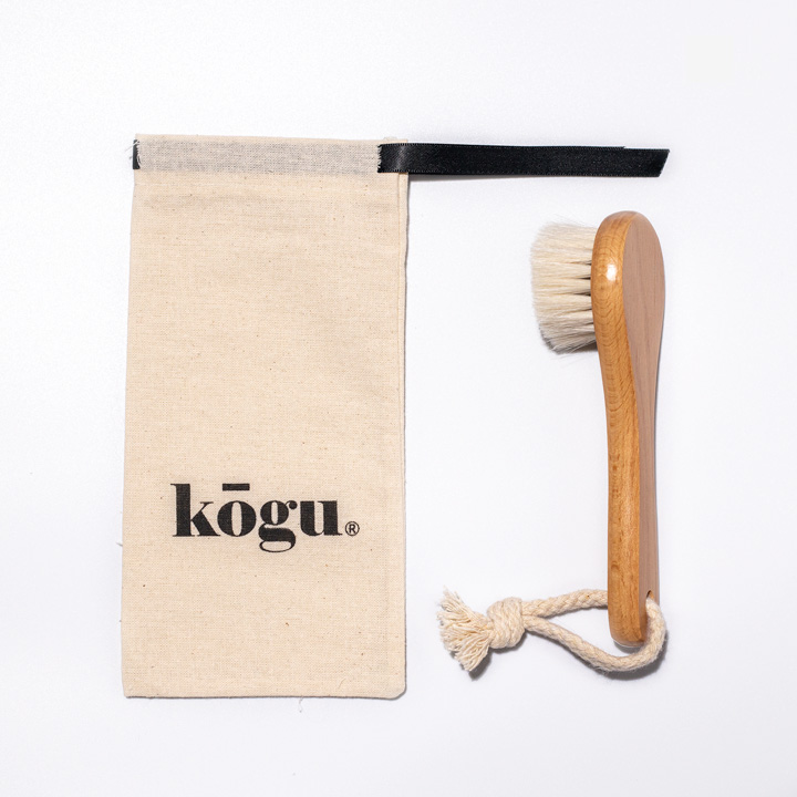 Kogu facial cleansing brush with pouch